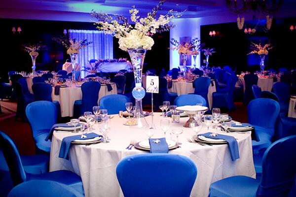 Decoração de casamento azul royal
