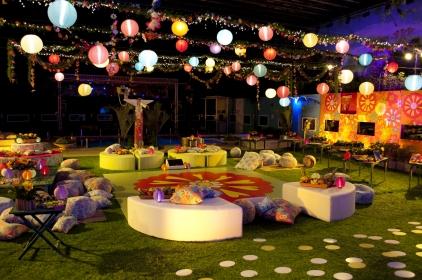 Festa tropical a noite