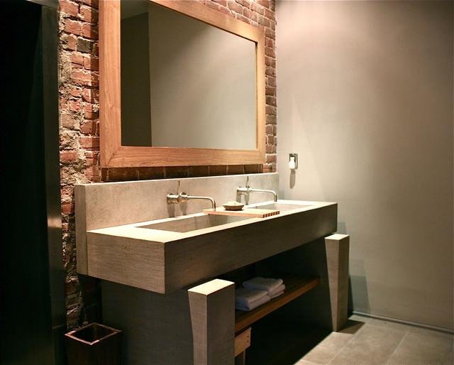 banheiro-com-espelho-na-parede