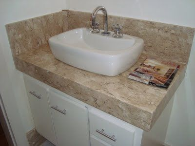 banheiro-com-marmore-na-pisa