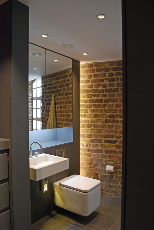 banheiro-com-tijolos-claros
