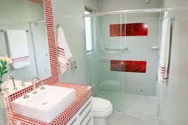 banheiro-com-vermelho-xadres