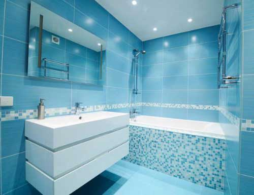 Banheiros Pequenos  100 Formas Diferentes de Decorar Lindamente! -> Banheiros Modernos Azul