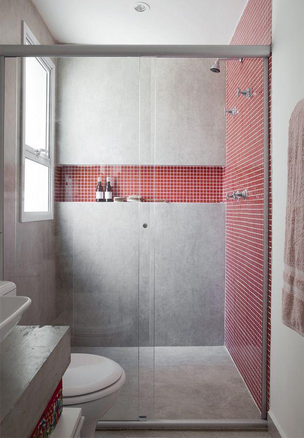 banheirocom-detalhes-em-vermelho-claro