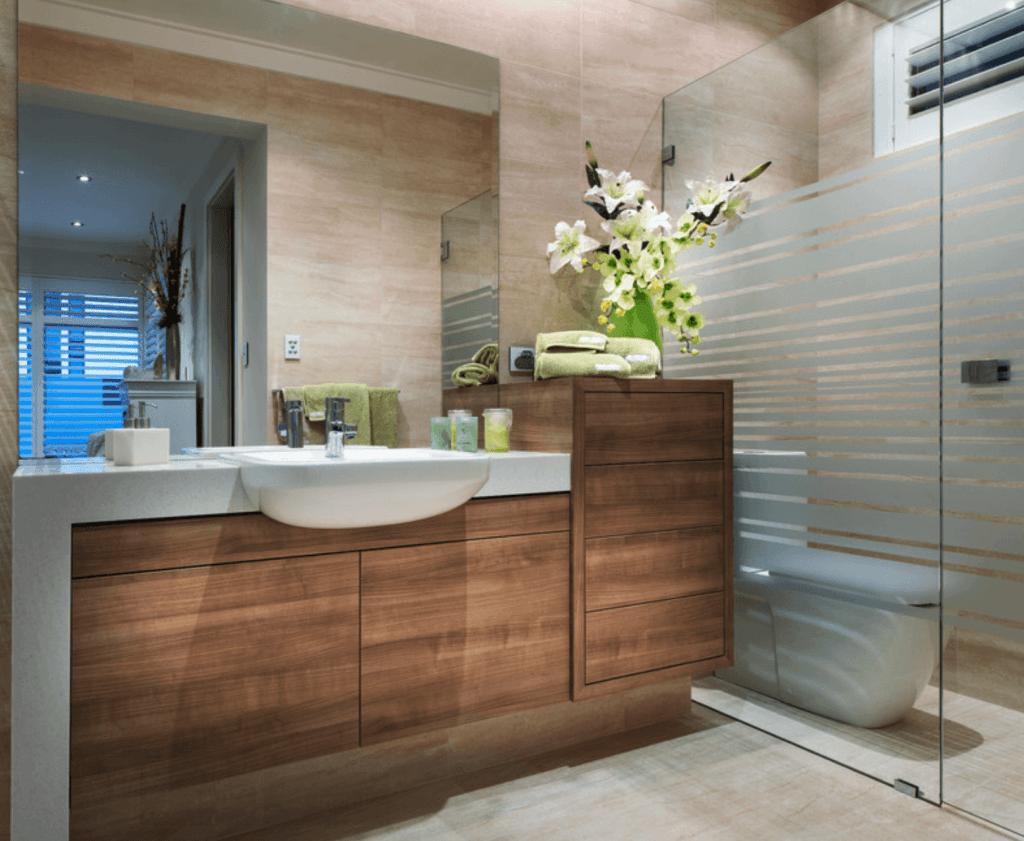 Banheiros Pequenos  100 Formas Diferentes de Decorar Lindamente! -> Planejamento De Banheiro Com Banheira