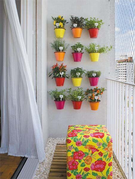 potes-coloridos-para-jardim-vetical