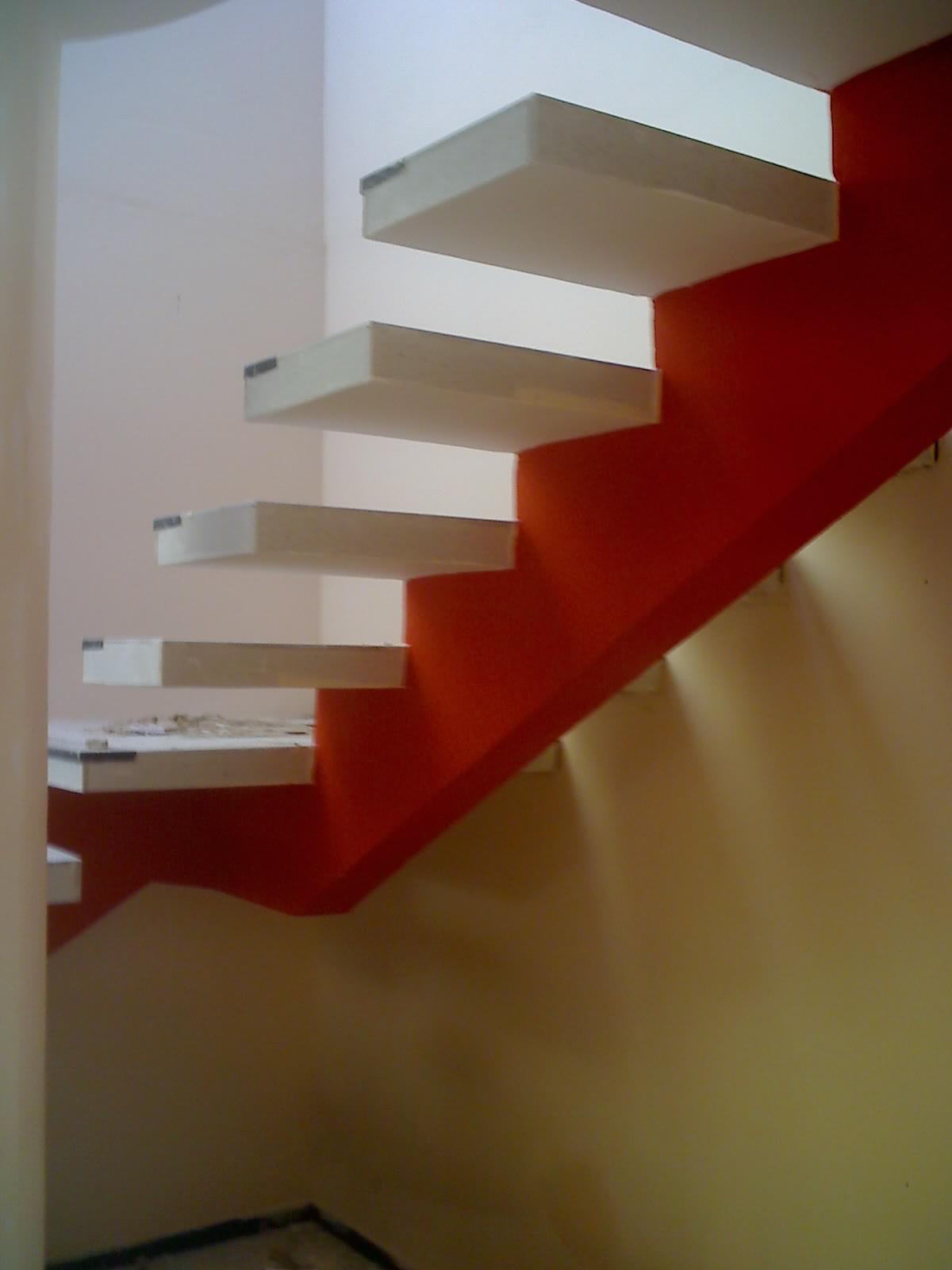sanca-de-baixo-da-escada