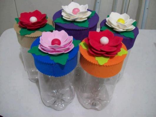 Artesanato com garrafa pet para o dia das mães com flores