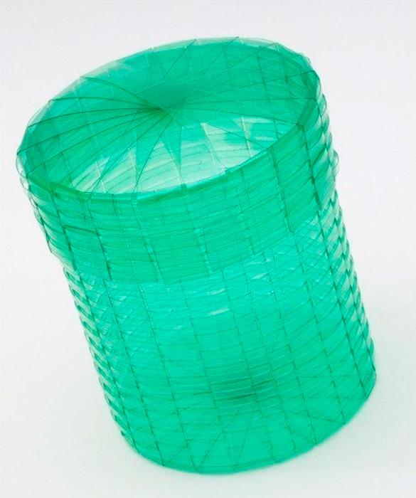 Cesto de roupaartesanal feito com garrafa pet