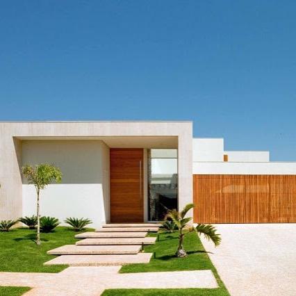 fachadas-de-casas-com-marmore-e-madeira-clara