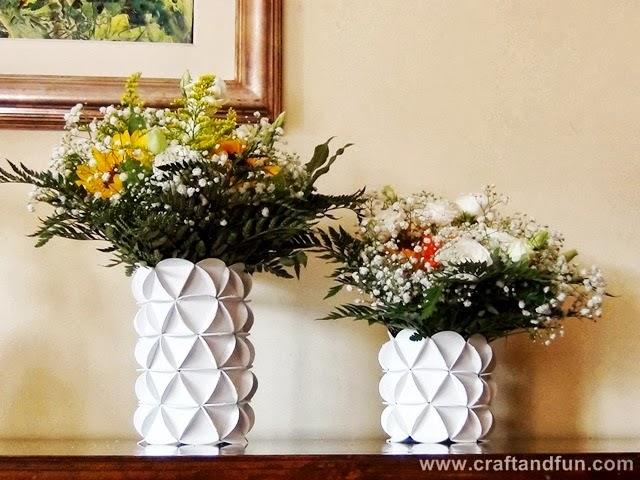 Vasos artesanais feitos com garrafa pet