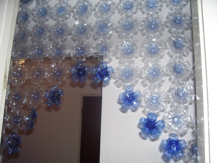 cortinaartesanal feita com garrafa pet