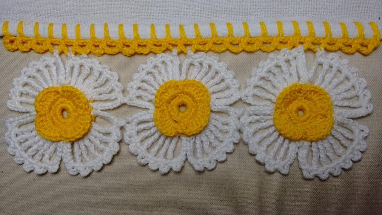 Bicos de crochê com flores