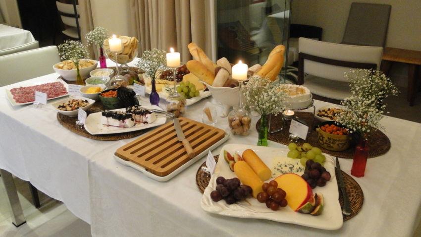 Decoração de mesa de jantar para aniversario com frutas