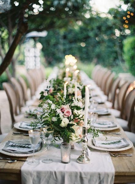 Decoração de mesa de jantar para casamento com flores
