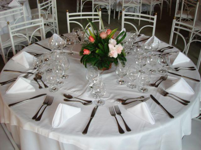 Decoração de mesa de jantar para casamento esa circular