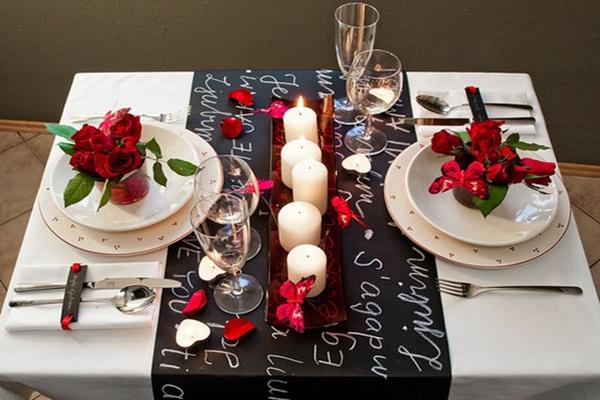 decoração de mesa de jantar romantico