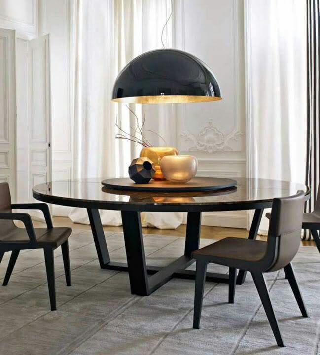 Decoração moderna na mesa redonda