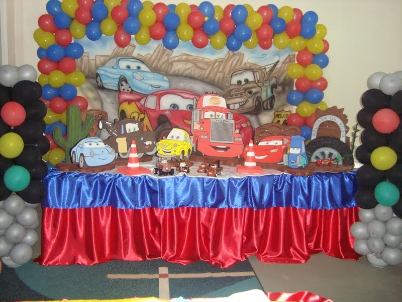 Painel dos carros para festa infantil