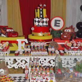 carros na decoração de um festinha infantil