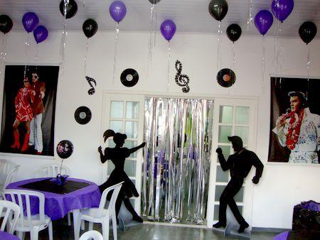 decoração de festa anos 60 com balões
