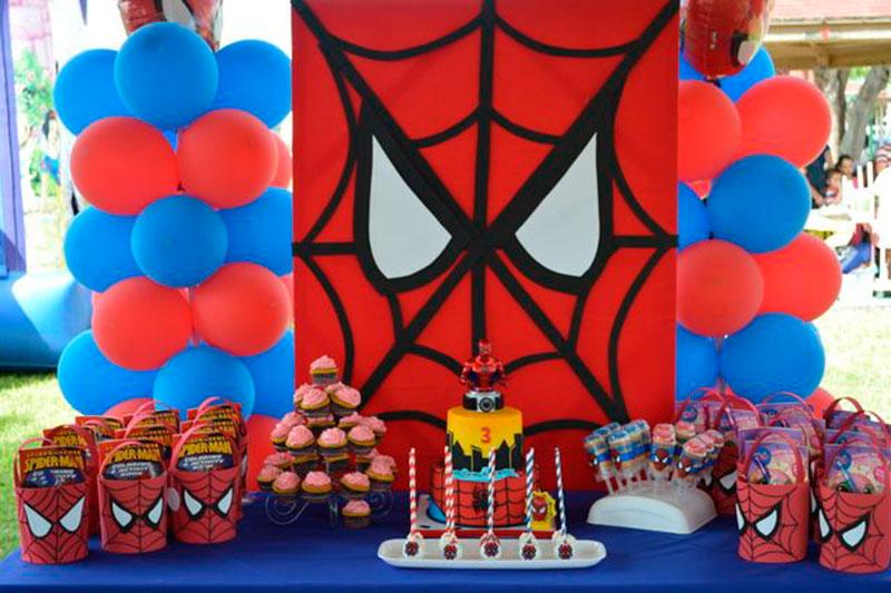 decoração de festa simples homem aranha