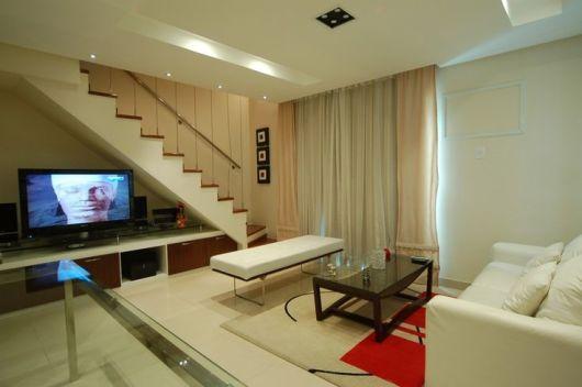 Sala Pequena Com Escada ~ decoração de sala pequena com escada clara