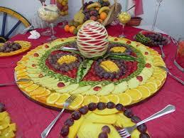 mesa de frutas simples para casamentoo