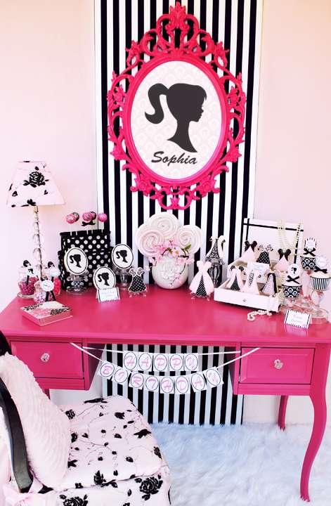 simples decoração com tematica barbie em festa infanto