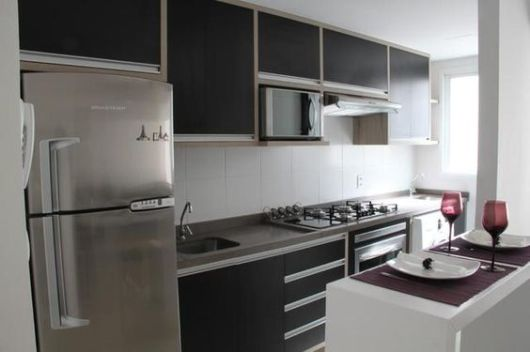 Armários planejados para cozinha de apartamento pequeno