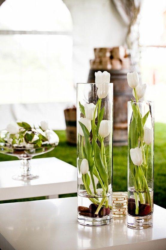 Arranjos de flores artificiais brancass para mesa de jantar