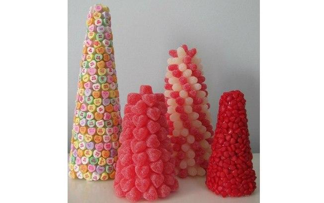 Arranjos de mesa de aniversário com doces