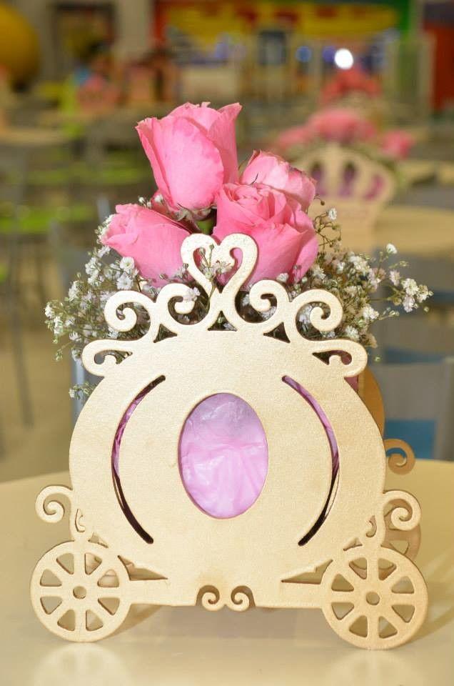 Arranjos de mesa para festa com rosas