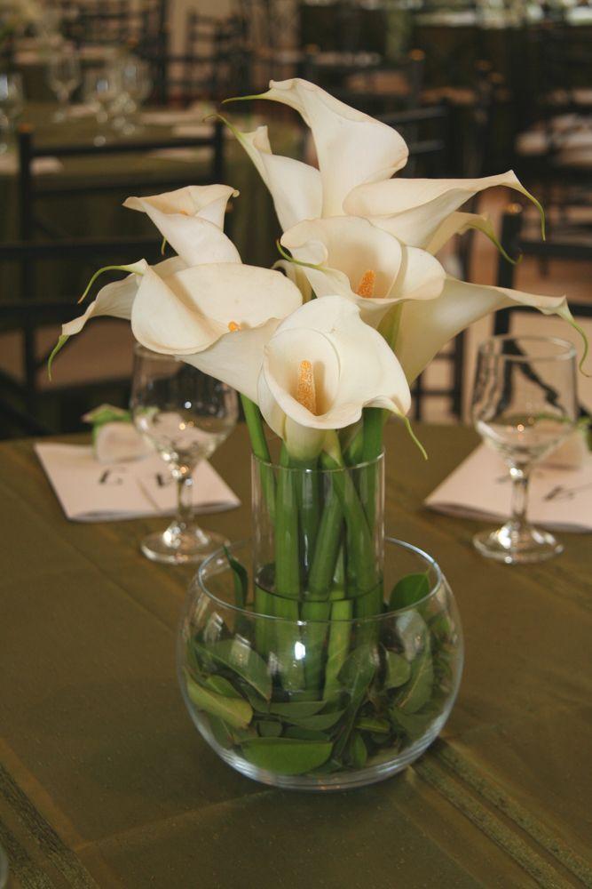 Arranjos de mesa simples com tulipas