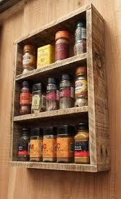 Artesanato em madeira de demolição para cozinha