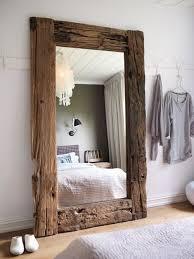 Artesanato em madeira reciclada e espelhos
