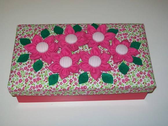 Artesanato em mdf com tecido com flores