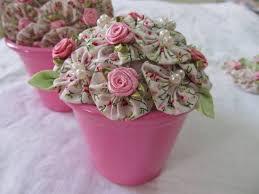 Artesanato em tecido fuxico com flores