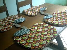 Artesanato em tecido para cozinha na mesa