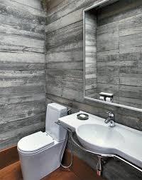 Cerâmica para banheiro cinza e madeira