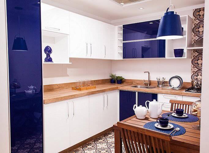 Cozinha de apartamento pequeno simples