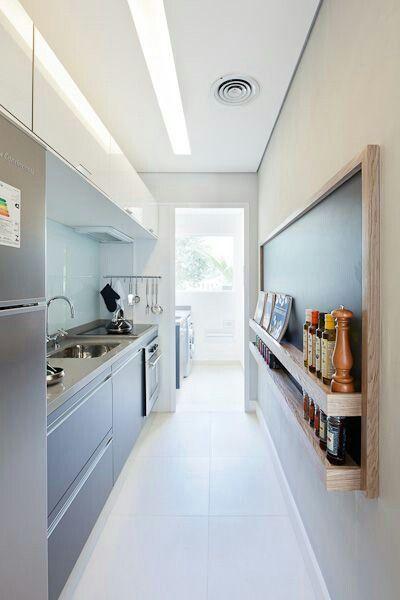 Cozinha de apartamento pequeno tipo corredor