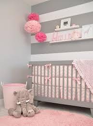 Decoração de quarto de bebê feminino delicado