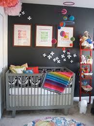 Decoração de quarto de bebe simples e preto