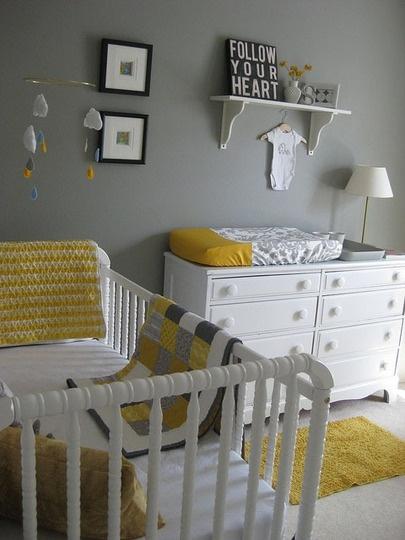 Decoração de quarto de bebe simples na cor cinza