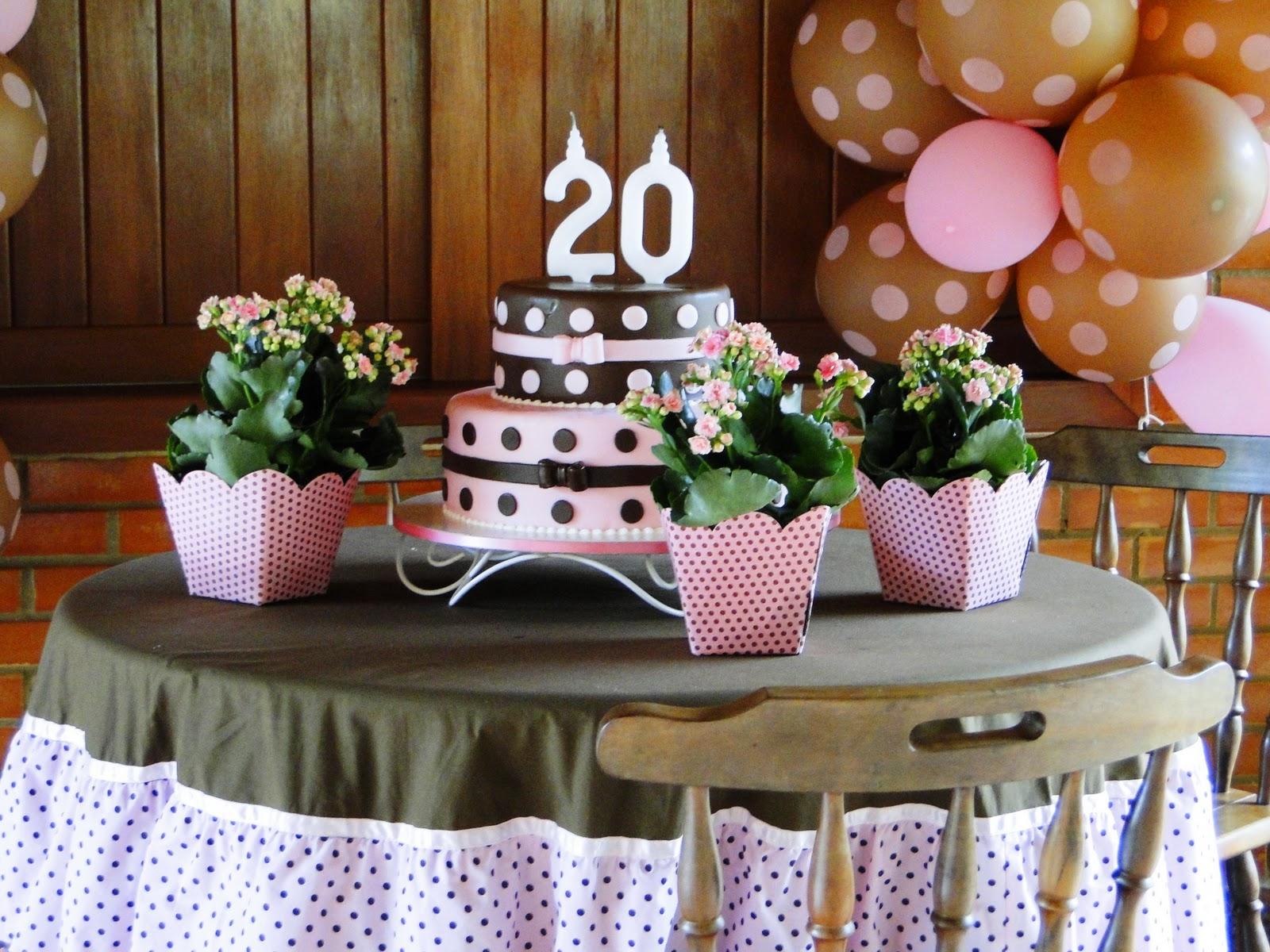 Decoração simples aniversario 20 anos