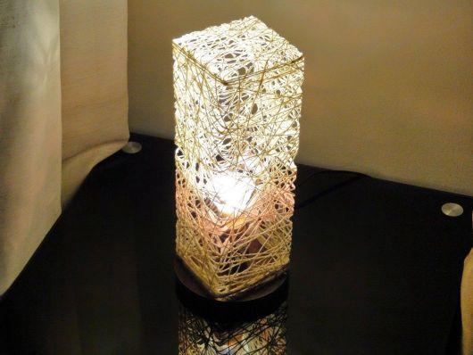 Luminária de barbante quadrada