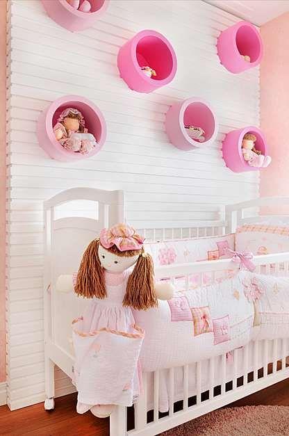 Nichos para quarto de bebê redondo e rosa