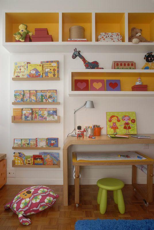 Nichos para quarto infantil no alto
