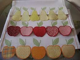 Patchwork em pano de prato com frutas